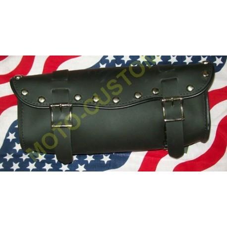 Bagage moto, trousse à outils moto noir cloutée